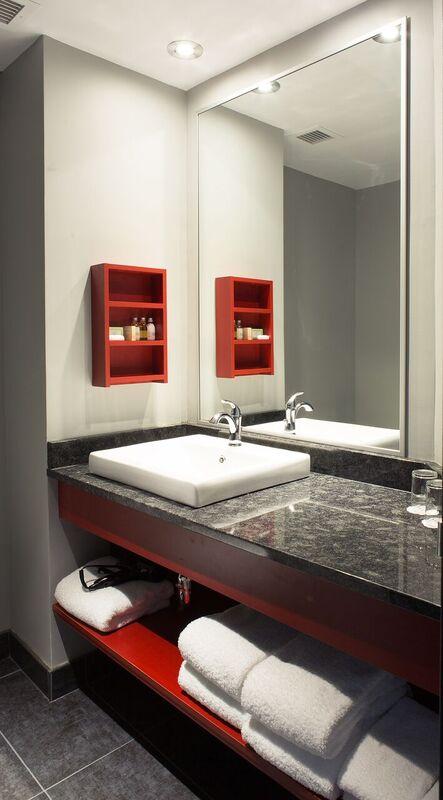 https://www.hoteluniversel.com/wp-content/uploads/2014/09/Nouvelle-salle-de-bain.jpg